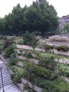 La Promenade Planteé stacked concrete wall with planted terraces
