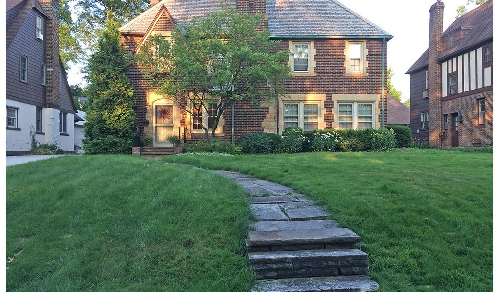 A Colorful But Low Maintenance Landscape Bobbie S Green Thumb